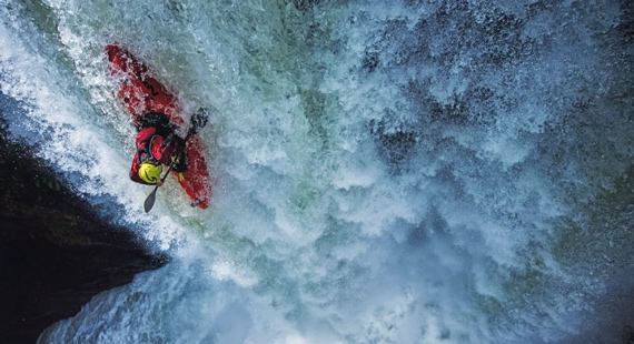 extreme kayaking photography